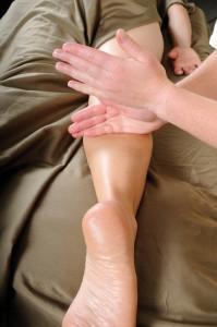 MassagingLeg-EssenseoftheSunMassage